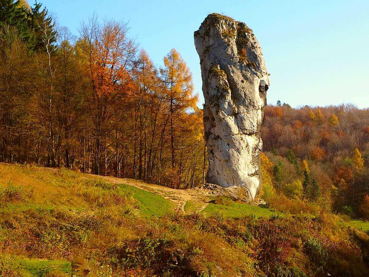 Zamek Korzkiew - Atrakcje - Ojcowski Park Narodowy