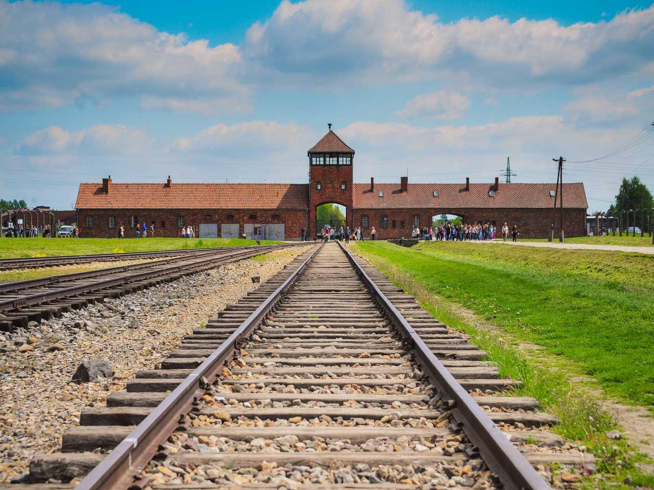 Dom Pugetów - Atrakcje - Auschwitz – Birkenau